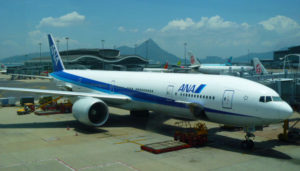 香港国際空港のANA飛行機