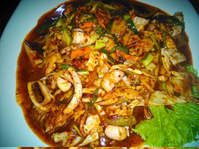 アンへレスの韓国料理イカ野菜炒め