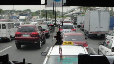 マニラ国際空港ターミナル3周辺の大渋滞
