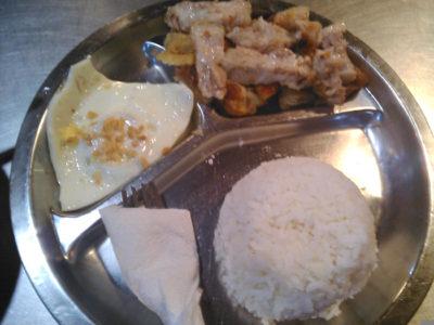アンヘレスのバリバゴのおいしい食堂Lizanelaのレチョンカワリ