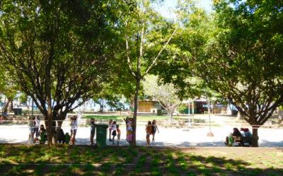 ダバオのマグサイサイ公園でのモデル練習