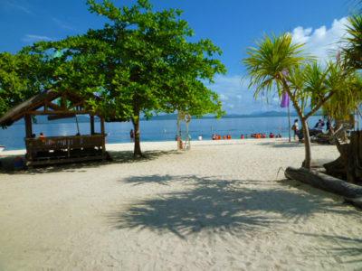 ホンダ湾アイランドホッピングツアーのビーチ