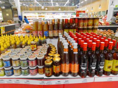 チェンマイのBigCのおいしいハチミツ売り場