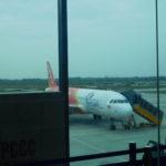 ハイフォンのカットビ国際空港からバンコクのカオサン通りへの移動