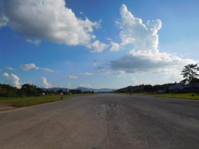 旧チェンライ空港の巨大公園
