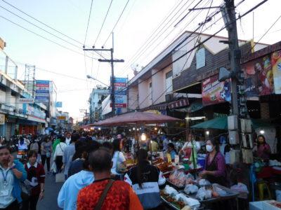 チェンライのCentral Day Marketの露店
