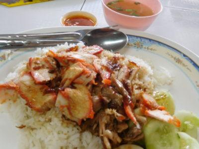 チェンライの安くておいしい豚肉アヒル飯