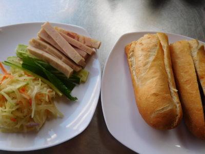 カンボジアのカンポットのハムサンドウィッチ