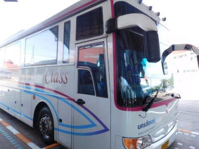 タイの快適なナコンチャイエアのファーストクラスのバス