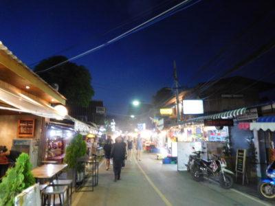タイのパーイの屋台や露店