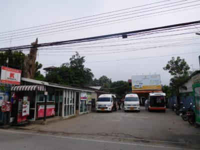 タイのパーイからチェンマイ行きのバン