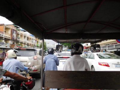プノンペン市内の大渋滞