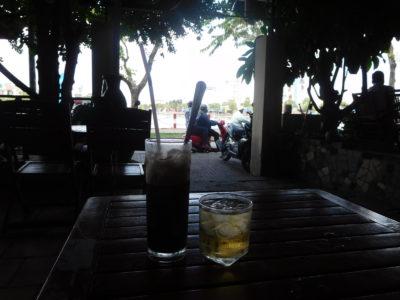ベトナムのカントーのおしゃれなカフェCafes Emi