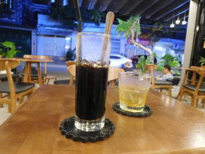 ベトナムのカントーの安いコーヒー1.2万ドン