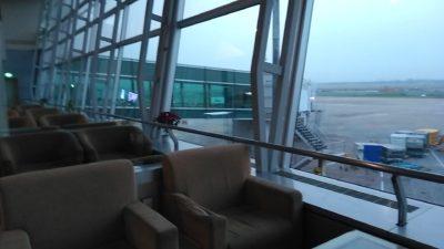 ホーチミンのタンソンニャット国際空港のラウンジ