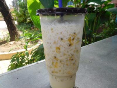 カンボジアのカンポットのパッションフルーツジュース