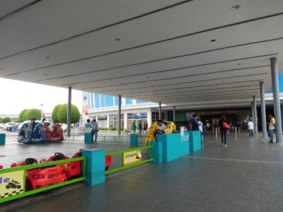 アンヘレスからマニラ国際空港行きのバス乗り場