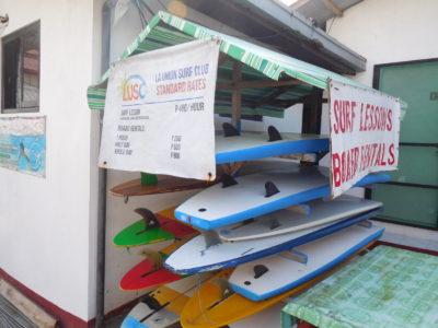 ラウニオンのサンファンビーチのサーフィンのレッスン