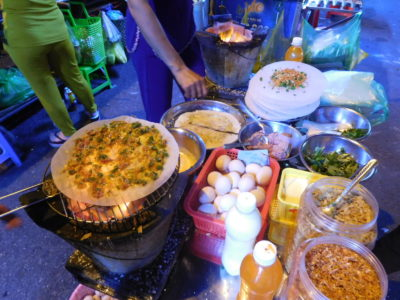 ベトナムのカントーの人気屋台バン・チャン・ヌン