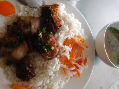 ベトナムのカントーのバスターミナル近くの食堂