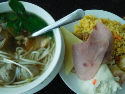 ホーチミン国際空港の空港ラウンジの食べ物