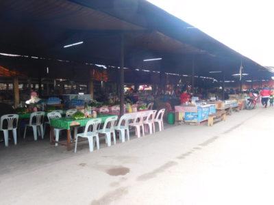 ラオスのルアンナムターのマーケット