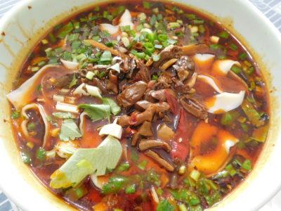 中国成都のおいしい永江本味抄手の刀削麺