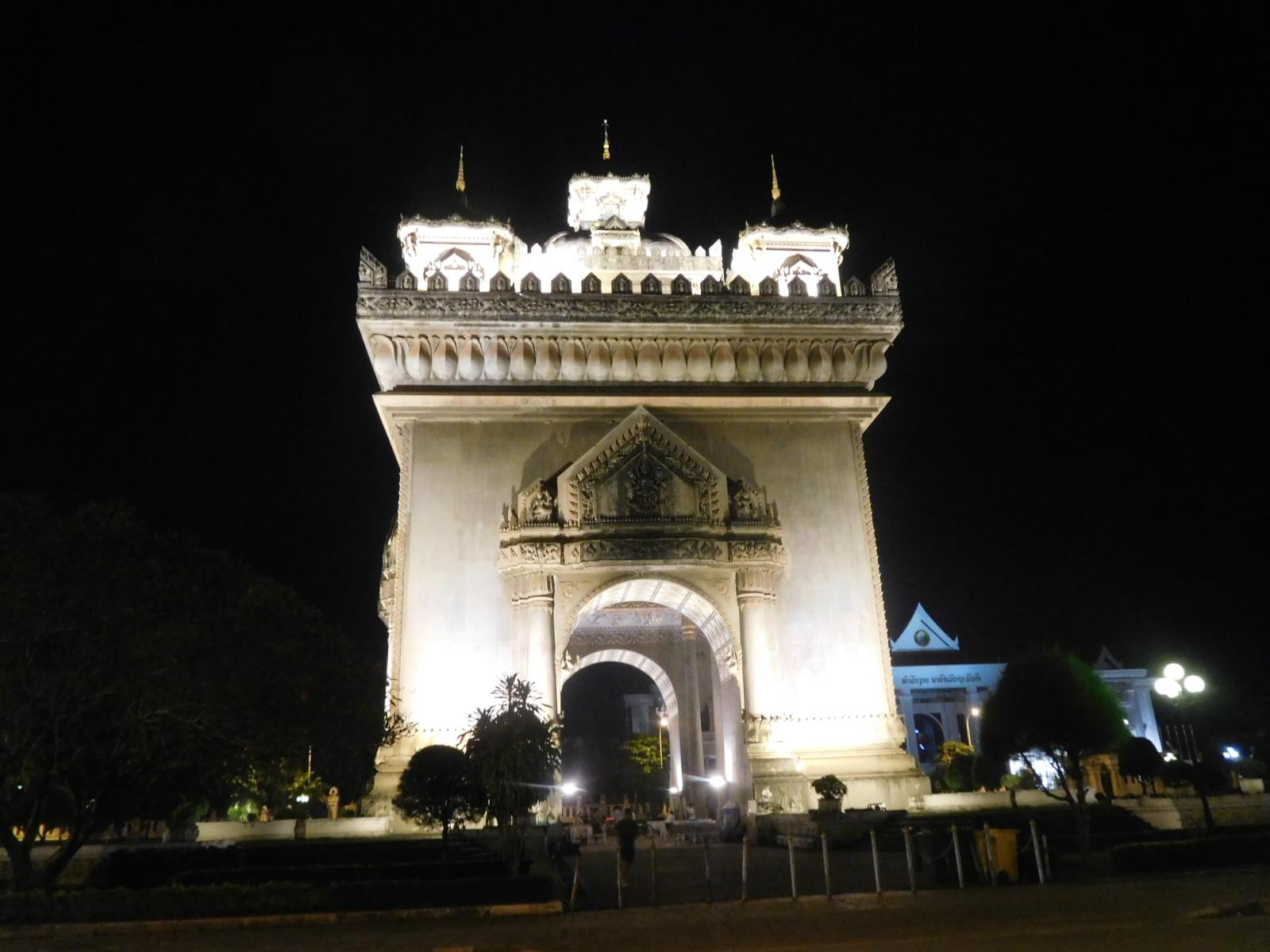 ラオスのビエンチャンの凱旋門