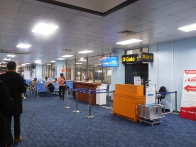 タイのチェンライ国際空港の国際線待合室