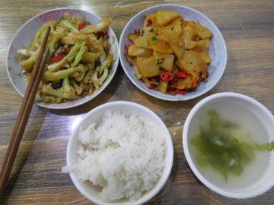 中国長沙のおいしい選べる定食屋セット