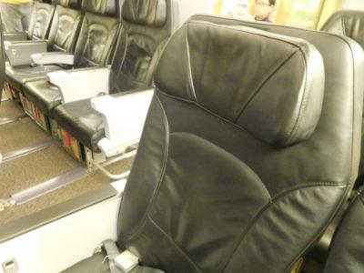 ノックスクートのスクートビズの座席