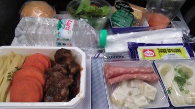 ANAのおいしくないエコノミークラスの機内食