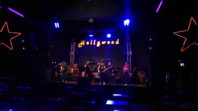タイ北部のパヤオゲートウェイホテルのクラブ