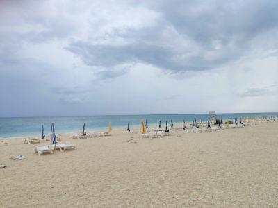 沖縄の無人島ナガンヌ島のビーチチェア